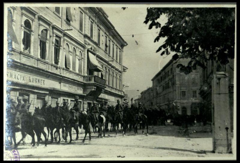 A Gorizia il 9 agosto 1916. La Cavalleria italiana in corso Francesco Giuseppe