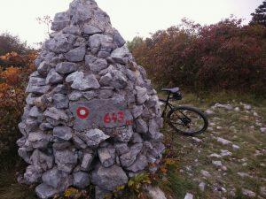 Sulla cima del Monte Trstelj