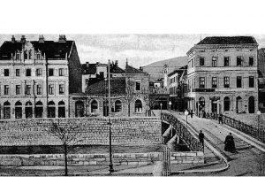 Il luogo dell'attentato a Sarajevo dal Ponte Latino nel 1914