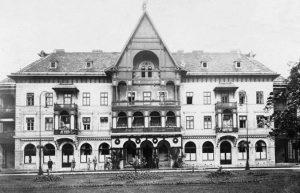 Durante la loro visita la coppia reale soggiornò all'Hotel Bosna a Ilidza, oggi nella periferia ovest of Sarajevo. Situato poco distante dal fiume Zeljeznica, era uno dei quattro Hotel situati nella zona. Gli altri erano l'Hotel Austria, Hercegovina, Srbia and Terme.