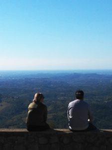 La vista spazia sul Collio-Brda e sulla pianura Panorama dal rifugio del Sabotino