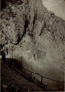 Mine e rocce che si frantumano sul Monte Sabotino