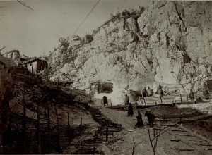 funicolare in costruzione sul Sabotino