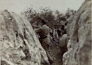 Posizione difensiva di soldati bosniaci sul Monte Sabotino