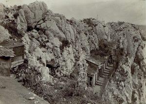 baracche di soldati austroungarici sulle pendici del monte sabotino