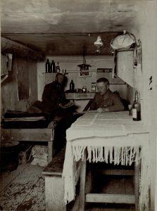 Stanza ufficiali dentro la caverna del Monte Sabotino