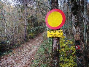 La carrareccia che sale al Monte san Gabriele