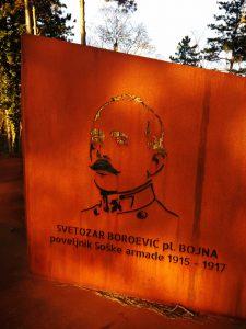 La lapide commemorativa al generale Boroevic a Planina
