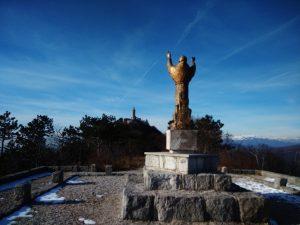 Dal Piazzale di San Francesco ed in fondo Il Santuario di Monte Santo