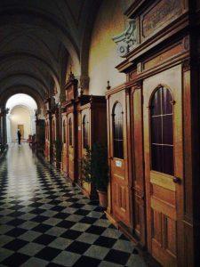 Confessionali nel Santuario Mariano di Monte Santo - Sveta Gora
