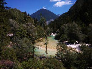 Paesaggio bucolico nella Alta Valle dell'Isonzo in Bicicletta