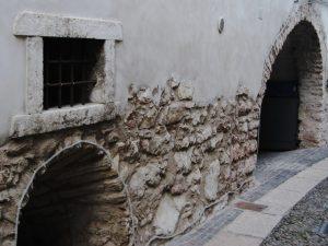 Archi di pietra ad Arco