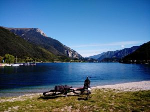 Il lato nord del Lago di Ledro