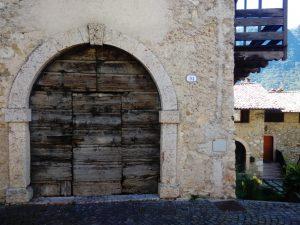 Borgo tipico Scendendo da Canale