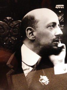 Primo piano di Gabriele d'Annunzio