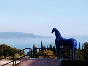 Il Cavallo Blu di Mimmo Paladino al Vittoriale