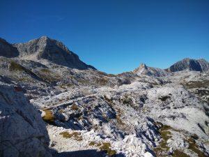 Il Picco di Carnizza, il Picco di Grubia e il Monte Sart dal sentiero 633