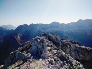 Dalla cima del Cregnedul verso l'Altopiano del Canin