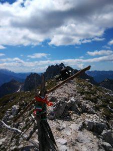 La croce di vetta del Monte Chiavals