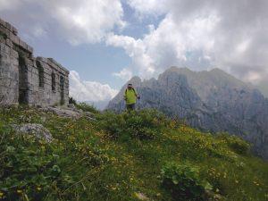 Il monte Chiavals e la Casermetta