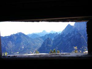Vista della Val Saisera dalla Feritoia del Ricovero Kopfach