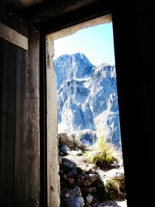 Il Montasio dalla porta del Ricovero Kopfach